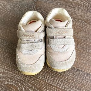 Geox tan & gold leather size 4.5 toddler